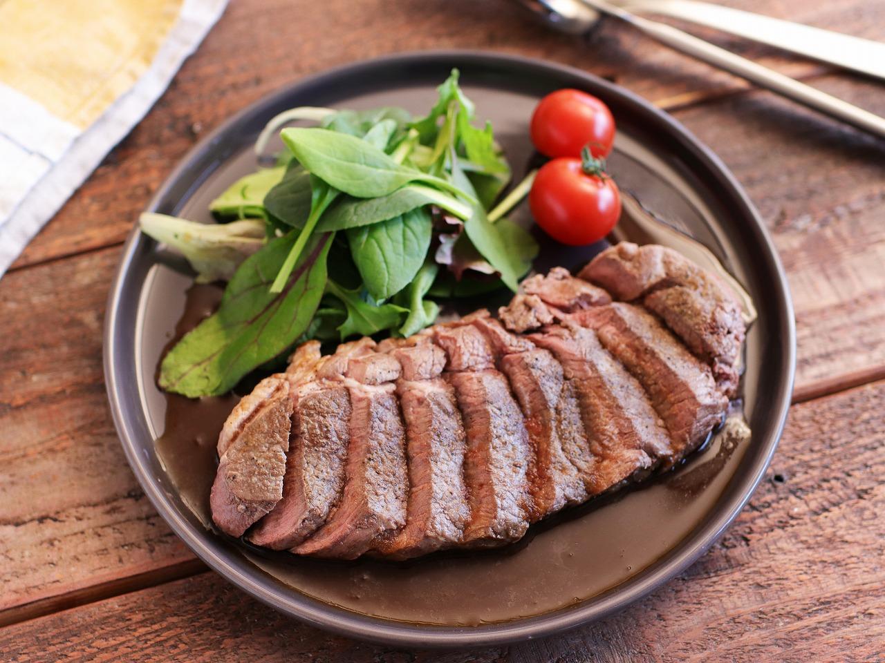 【レシピ動画】ラムももステーキ